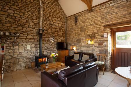 Whippletree Cottage near Bath