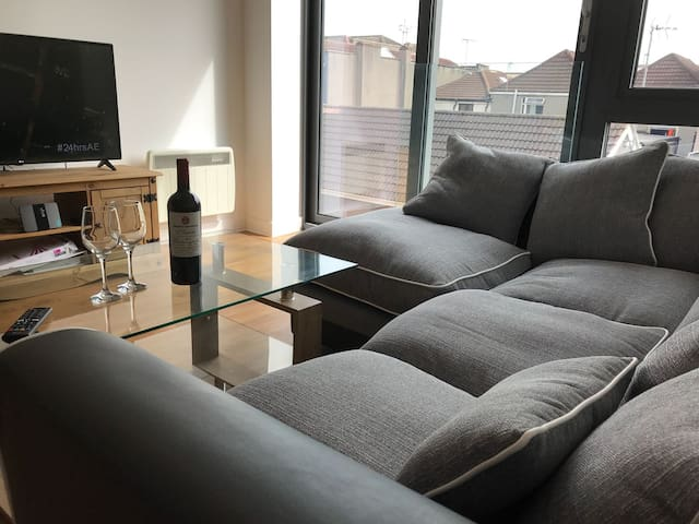 Modern flat near Cabot Circus in Centre of Bristol