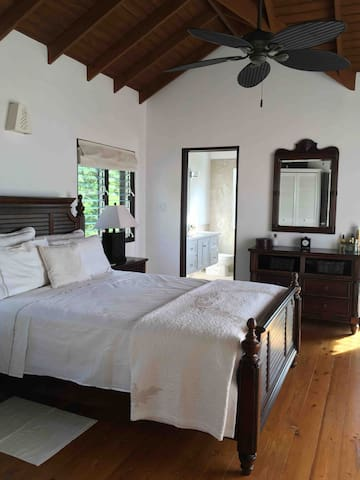 The Colonial Suite with en suite wet room.
