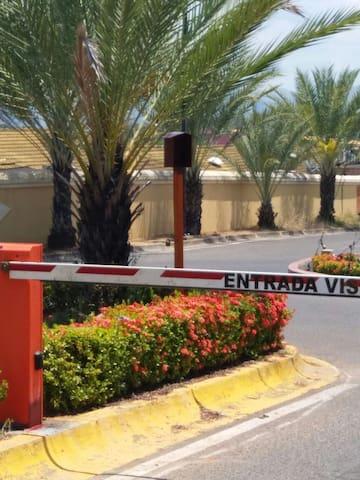 Linda casa en Urbanización Guayana Country Club