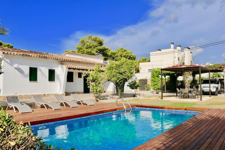 Traditional Villa, 5 bedrooms & swimming pool