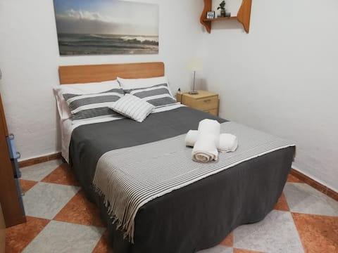 Habitación privada en el centro de Cádiz guiritano
