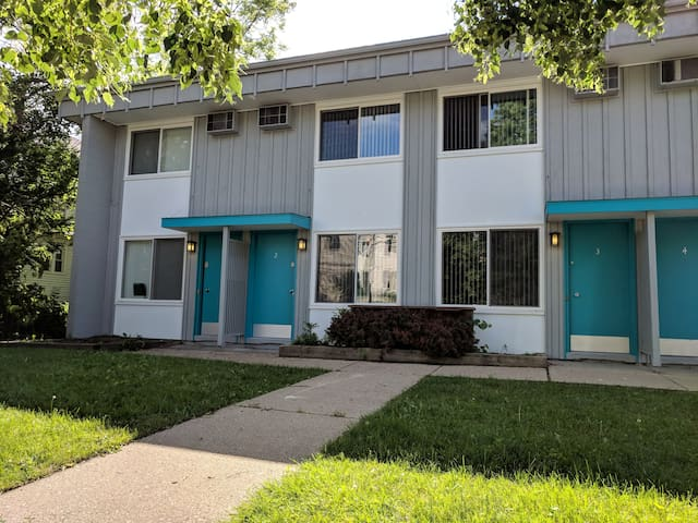 Newly Renovated Kerrytown/Downtown Location (#4)