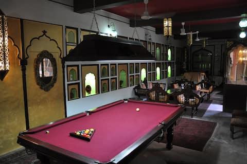 Shikhwa Heritage Haveli - 1 hour drive from Delhi