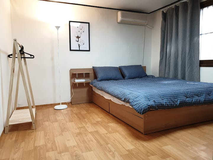 4mins from hongdae Stn 6exit, YnD House(whole)