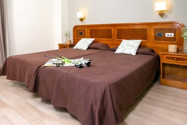 Habitación Doble Club ( 1 Adulto y 1 niño) - Alojamiento y Desayuno