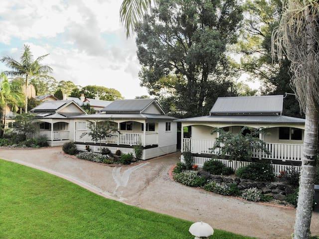 Bangalow Guesthouse - Mrs Lentaigne's Cottage