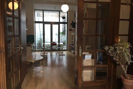 Duplex dans charmante maison bruxelloise - Schaerbeek