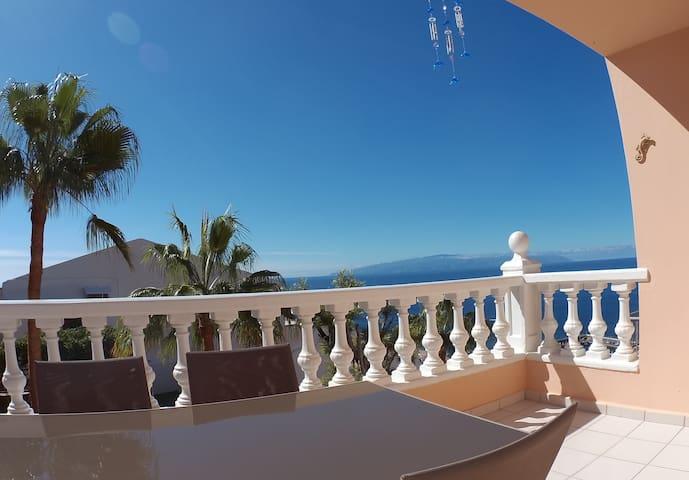 Apto acogedor con amplia terraza  - Santiago del Teide
