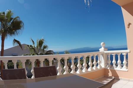 Apto acogedor con amplia terraza  - Santiago del Teide - Apartmen