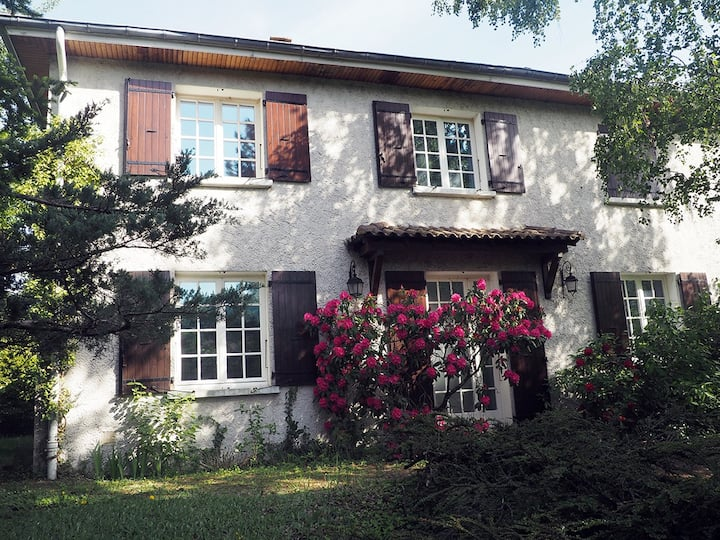 Appartement indépendant dans villa avec jardin