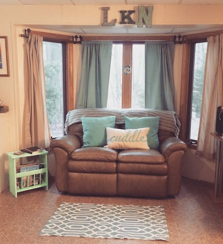 A relaxing lakeside bungalow - Sherrills Ford - Banglo