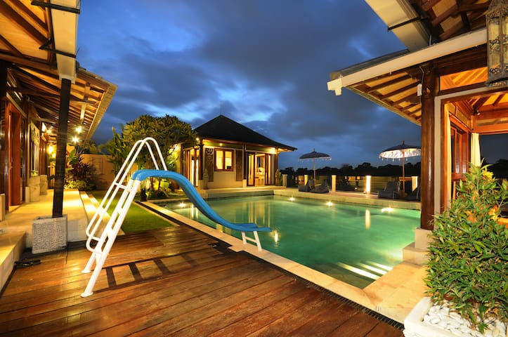 Perfect for family guest_Big Pool with great view_ - Mengwi