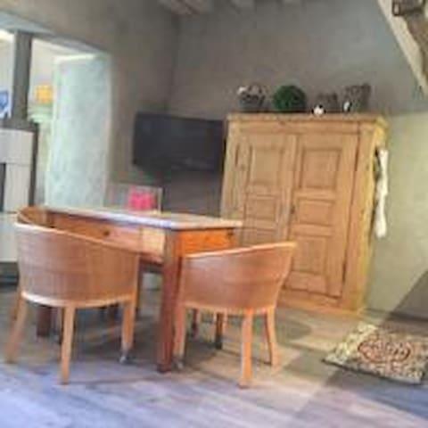APPARTAMENTO LAVANDA IL NUOVO E VECCHIO - Pradello - Flat