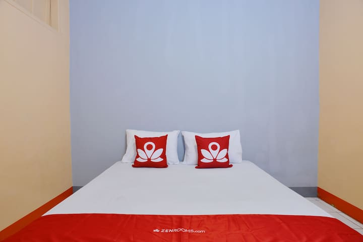 Beautiful Room at Yello House - Sawah Besar - Lägenhet