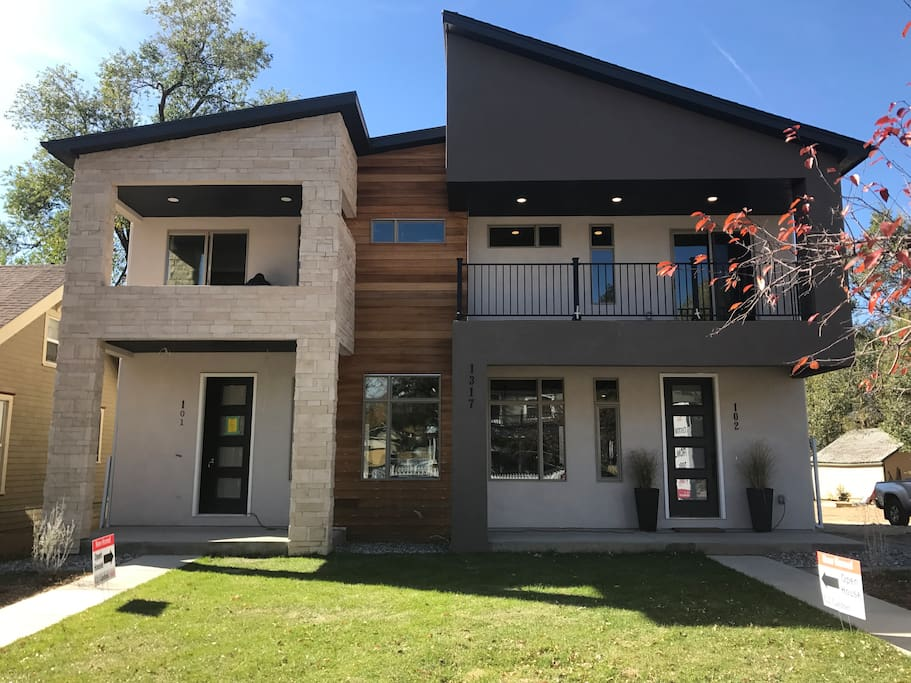 New modern home in old colorado city townhouses for for Modern homes colorado springs