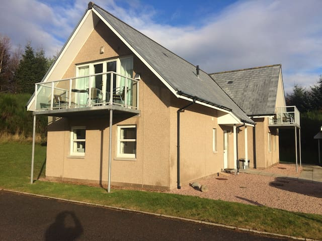 Inchmarlo Resort Self Catering 3 Bed Accommodation - Aberdeenshire