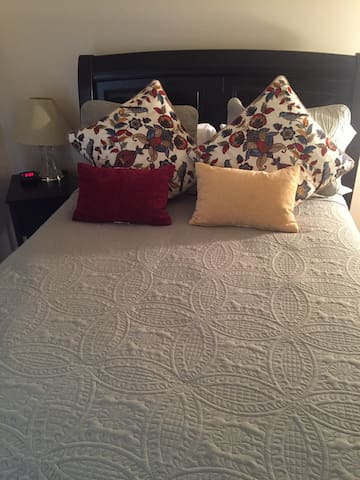 Master queen bed with new mattress