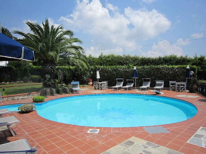 Farmhouse full equipped garden, pool, tennis court