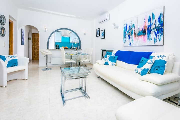 Beautiful 2 Bed Apartment with Spectacular Views