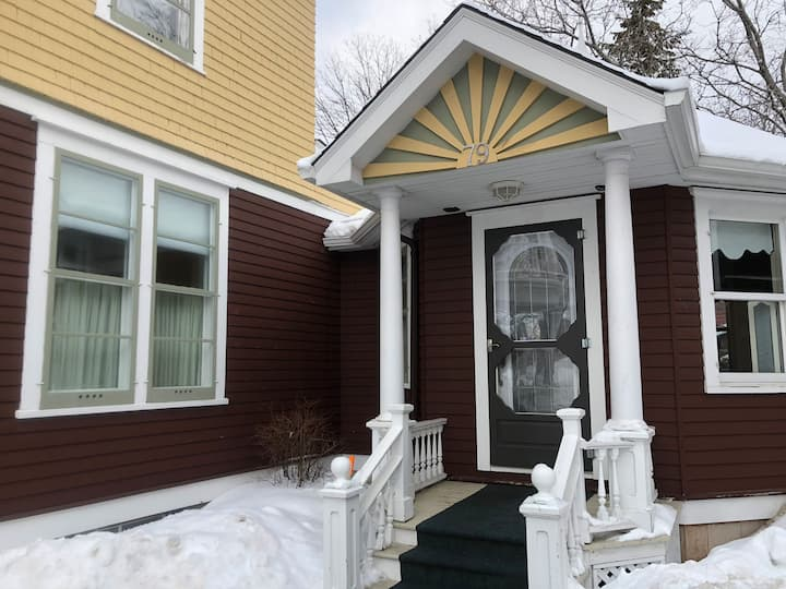 Immaculate one bedroom studio, downtown Moncton