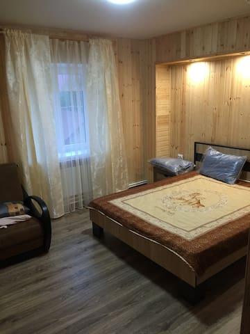 Просторный и уютный дом для большой компании - Dombay - Pension