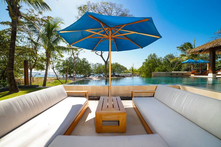 Beachfront Paradise Infused with The Energy of the Sea!