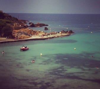 T1  avec piscine dans  resd à 10 mn Port et plages - Sanary-sur-Mer