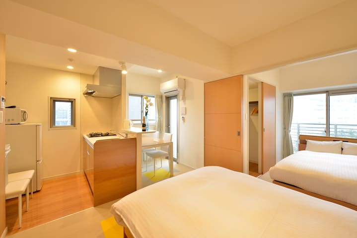 RH8-07)★Room with Double Bed in HAKATA★WiFi・TV