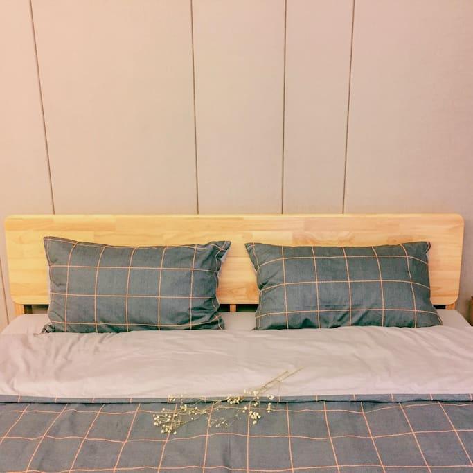 柔软的双人床