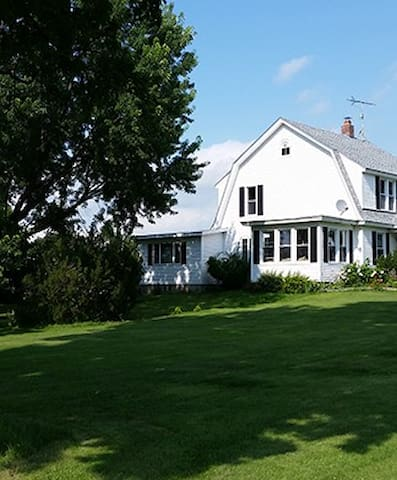 Hunter Farm B&B - Alburgh - Bed & Breakfast