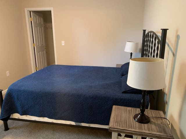 Cozy master suite just 2 miles from the VT campus!