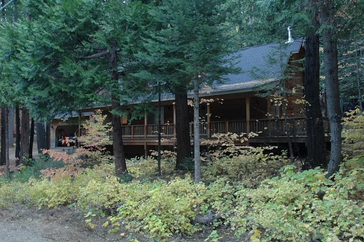 Mountain retreat near Dorrington, CA - Camp Connell - Talo