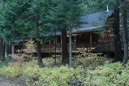 Mountain retreat near Dorrington, CA - Camp Connell - Rumah