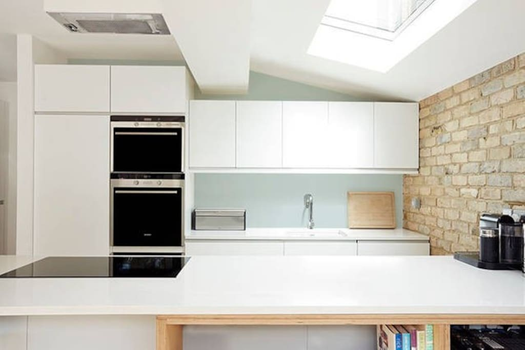 Kitchen with Induction hob, oven & microwave