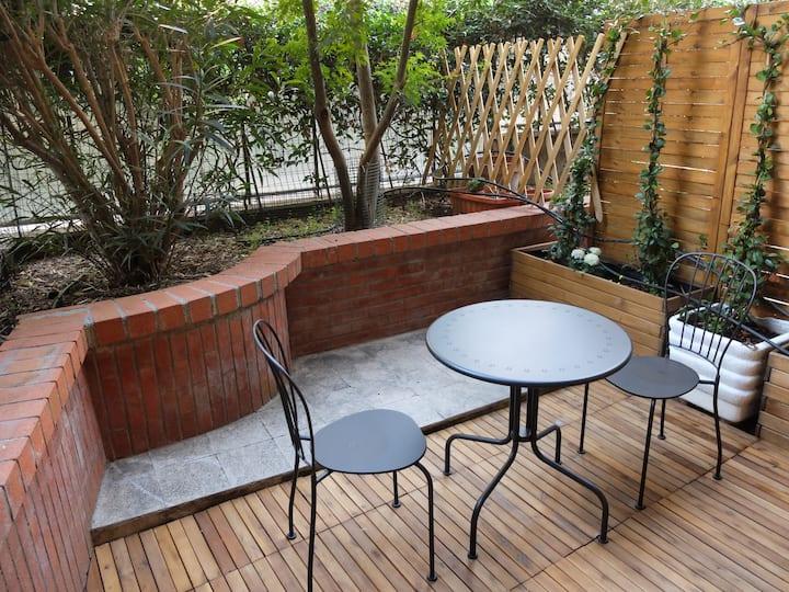 Roma Monteverde Garden Room
