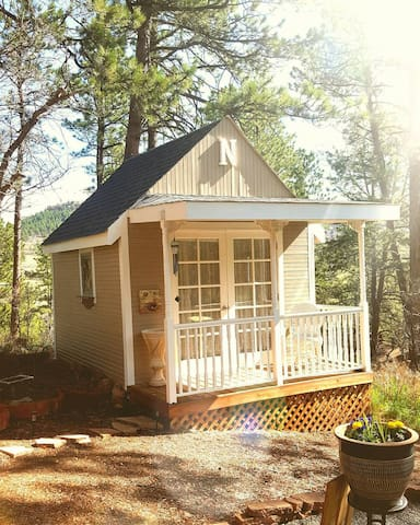 A Tiny House/ Glam-camping in the forest