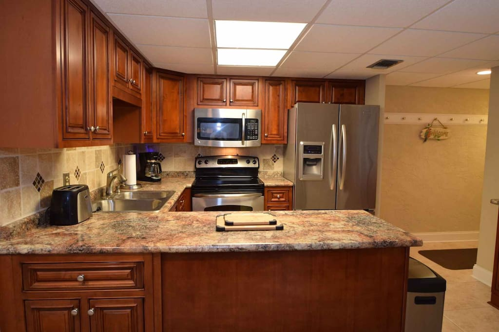 Fully equipped kitchen with updated features
