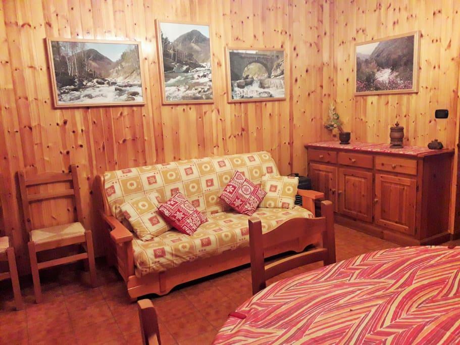 Il soggiorno con divano letto