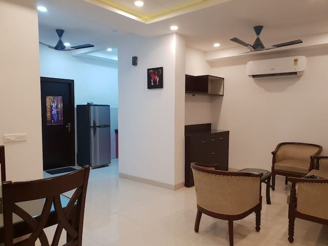 Entire Luxurious Apartment Near Anand Vihar Metro