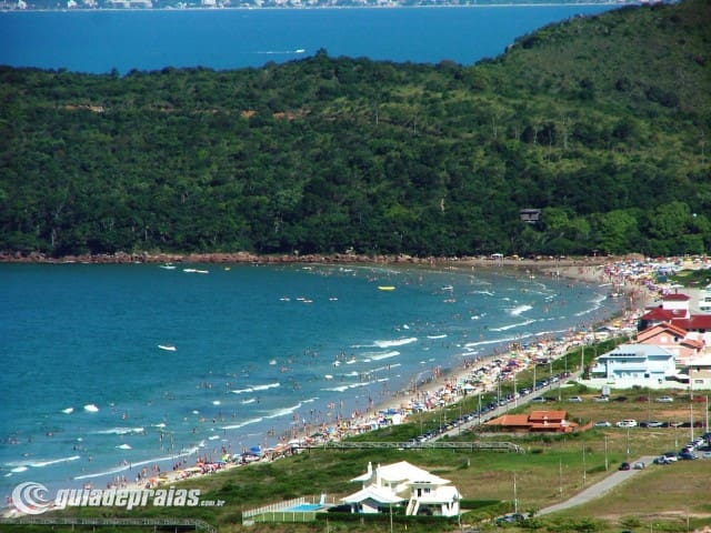 Quarto aconchegante pertinho da praia - Governador Celso Ramos - House