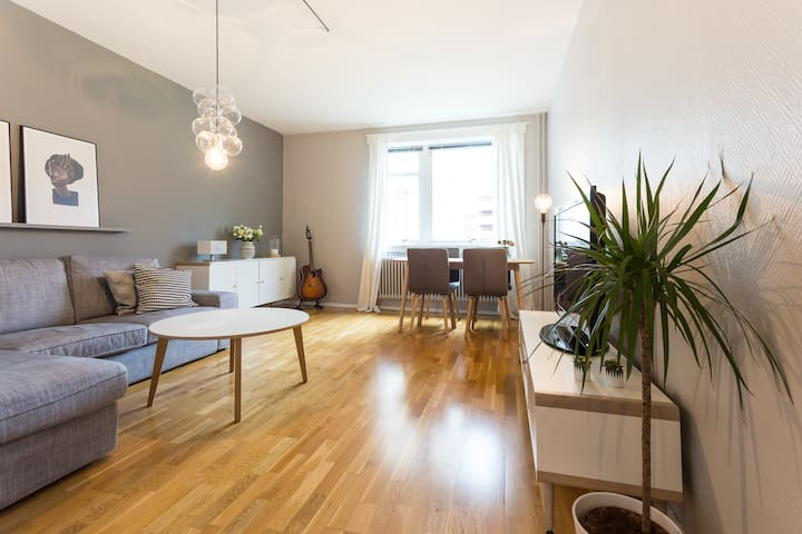 Central, spacious & bright apt at Sofienberg - Oslo - Wohnung