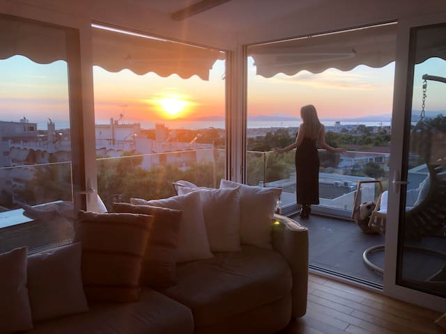 Ultra luxurious modern loft Sunset view