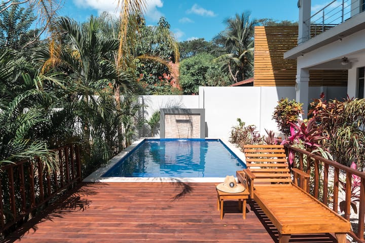 Tropical Paradise Apart #1