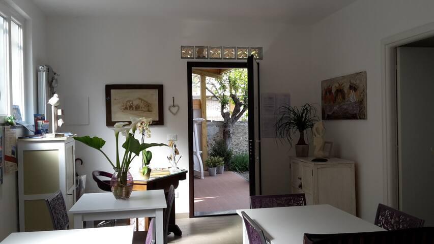 B&B AiTreArchi-Room ANCIOA (acciuga - Spotorno - Bed & Breakfast