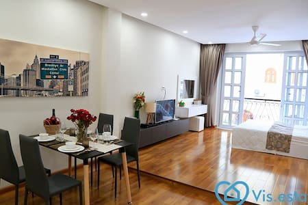 Rent new serviced studio with Balcony in D3 - Ho Chi Minh City - Apartemen