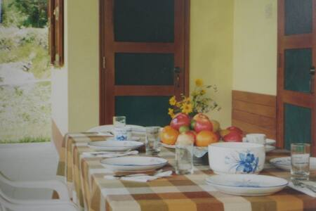 Swiss Chalet bed & breakfast (room # 2) - San Miguel - Dağ Evi