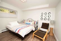 Third bedroom (day bed - pull out bed, 2 single beds)