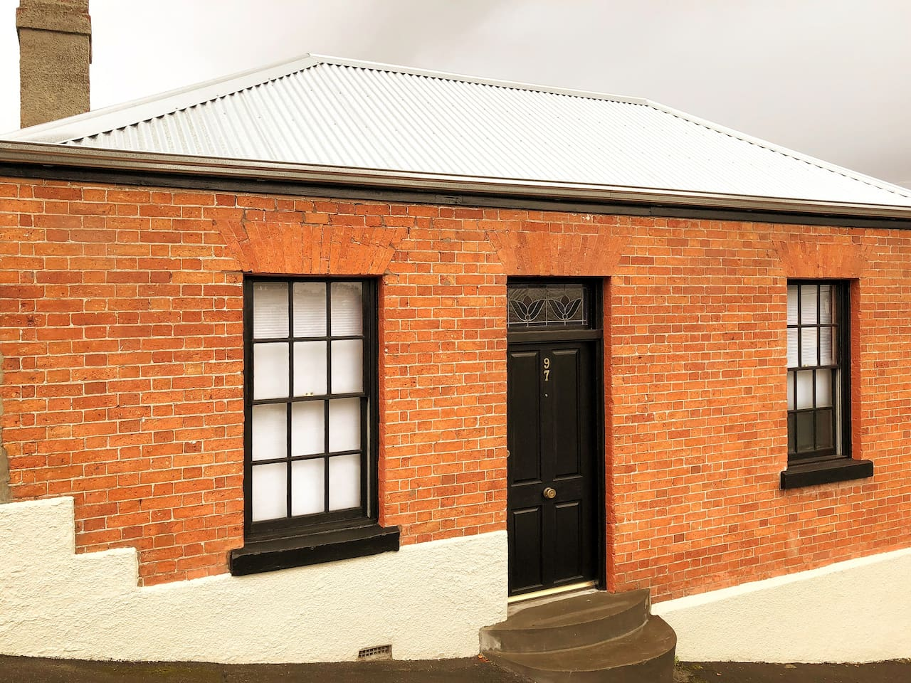 Historic and character filled 1850's renovated cottage within city centre