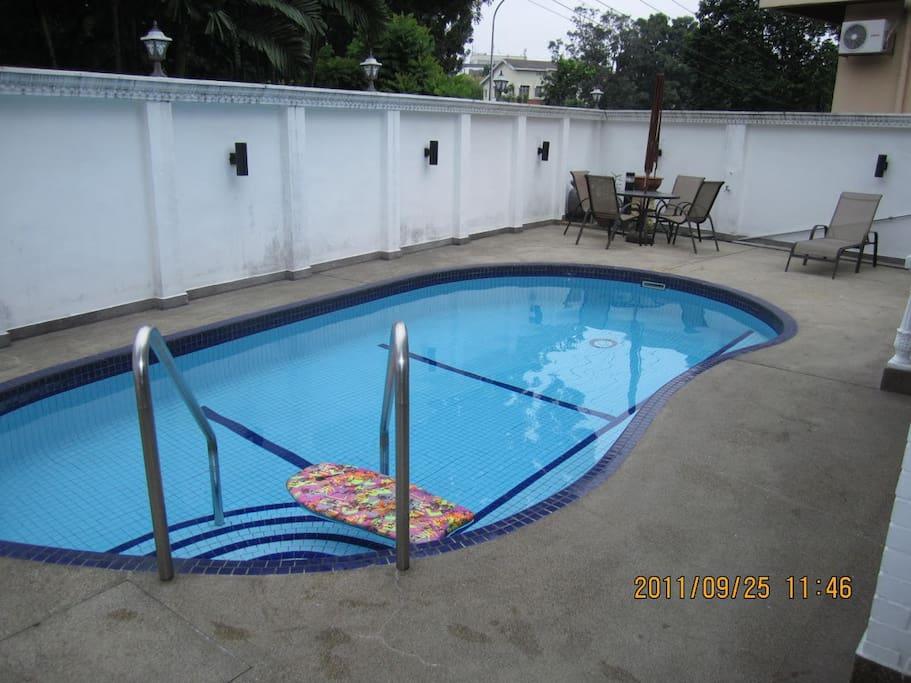 Decent pool